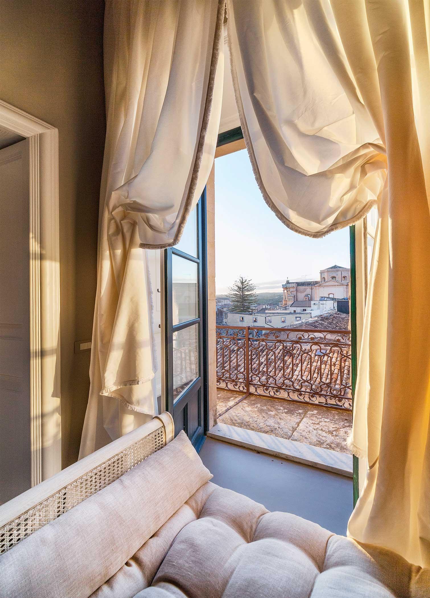 Seven Rooms Villadorata, Noto